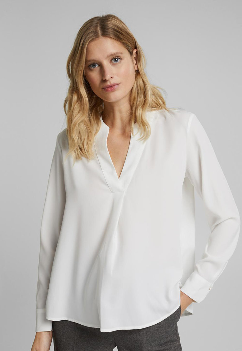 Bluza vaporoasa cu decolteu in V imagine fashiondays.ro