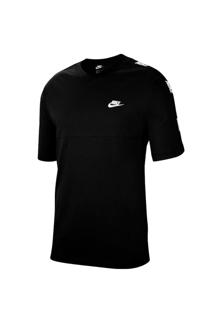 Tricou cu decolteu la baza gatului si logo Sportswear Hybrid de la Nike