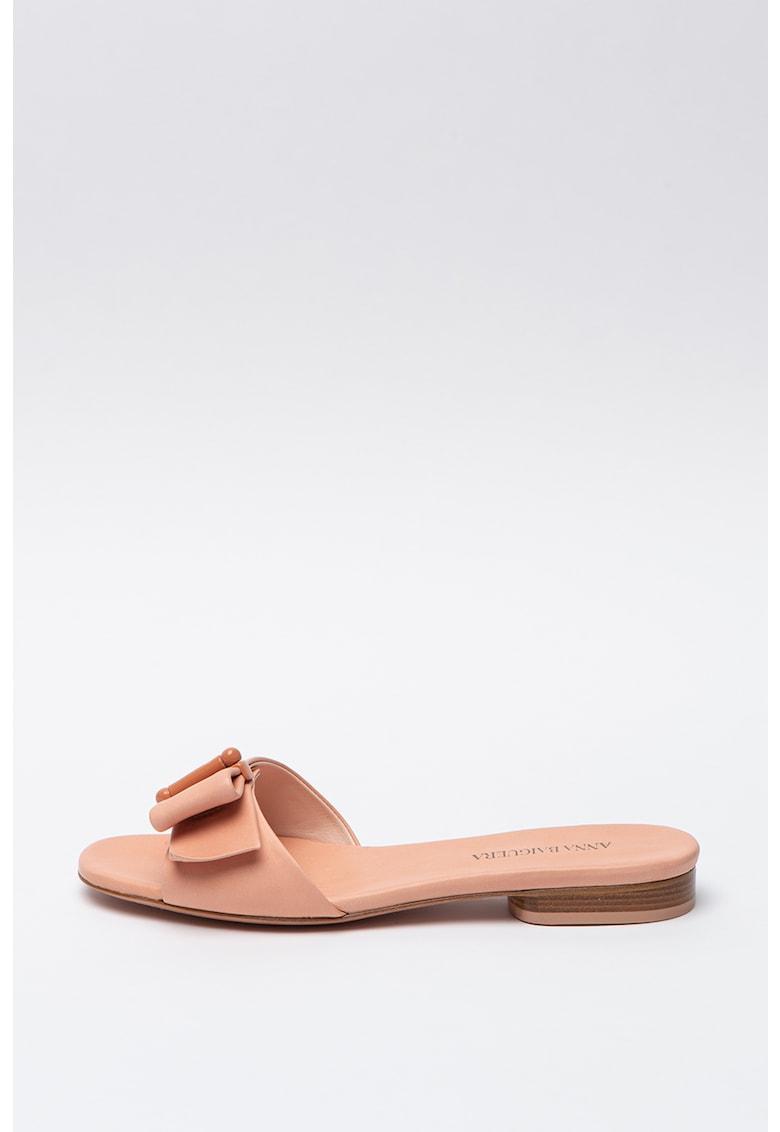 Papuci de piele