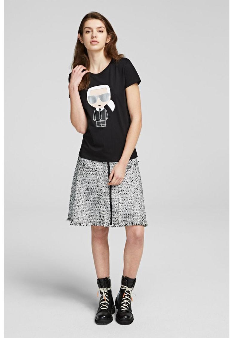 Tricou de bumbac cu imprimeu grafic si strasuri
