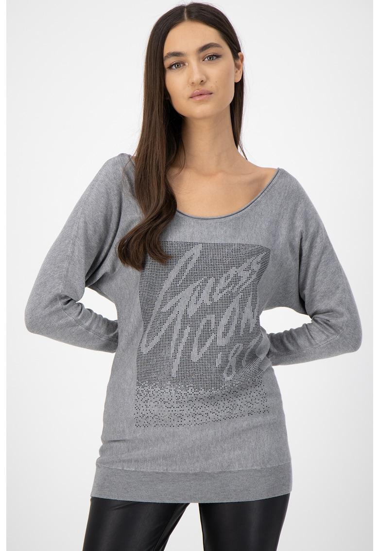 Pulover din tricot fin cu logo