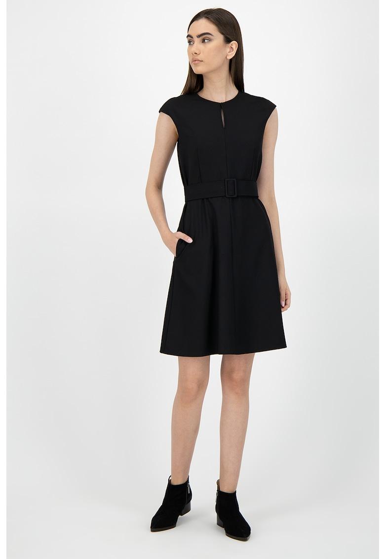 Rochie mini cu o curea in talie