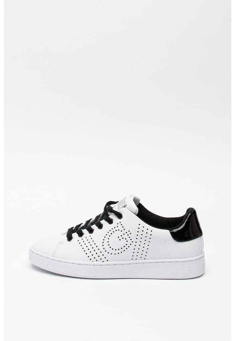Pantofi sport de piele ecologica - cu logo cu perforatii 1