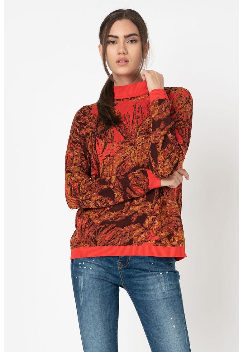 Pulover tricotat fin cu model grafic