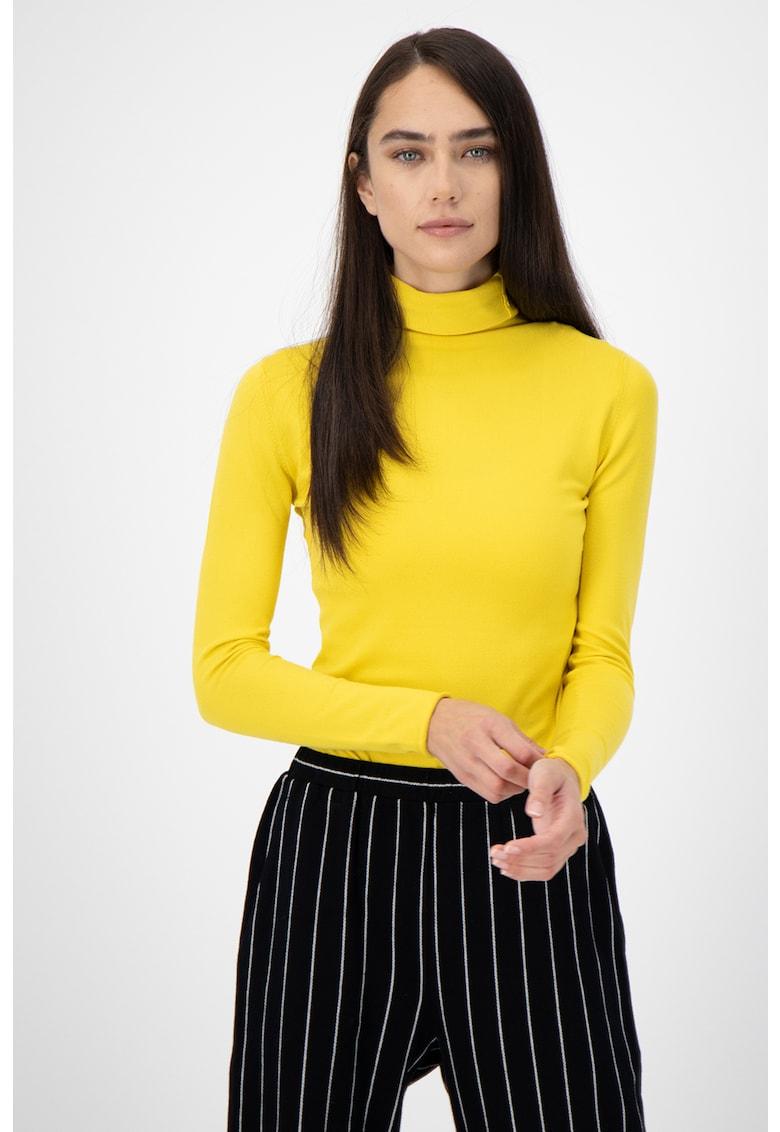 Bluza cu guler inalt imagine promotie