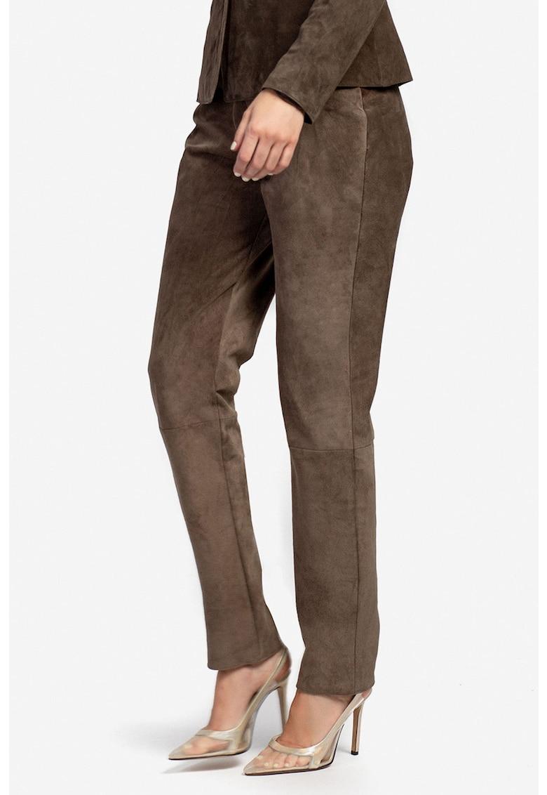 Pantaloni din piele intoarsa cu croiala conica