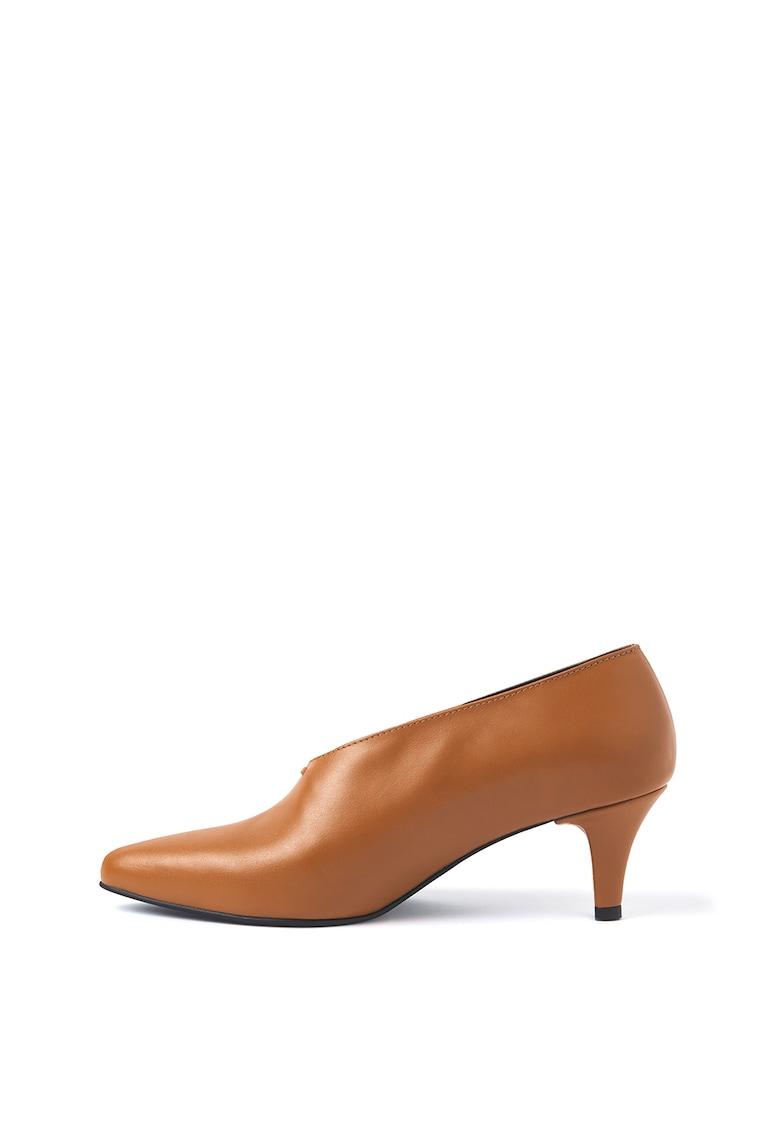 Pantofi cu toc inalt