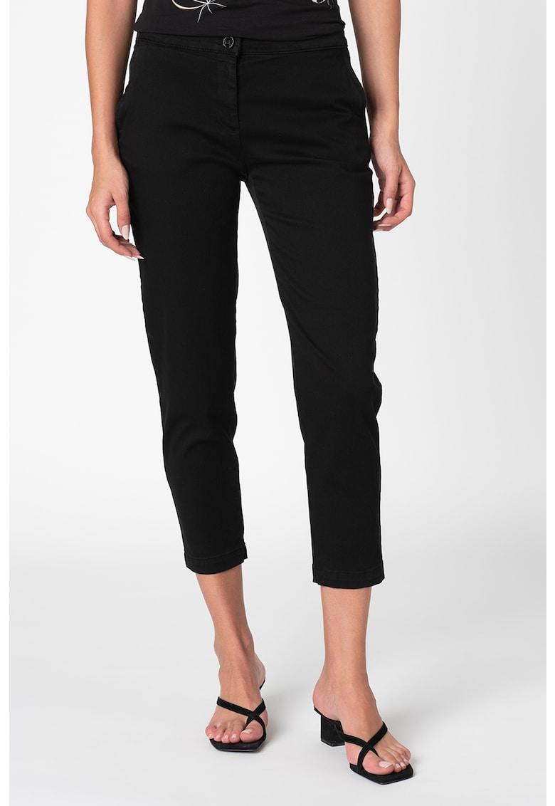 Pantaloni chino trei sferturi imagine