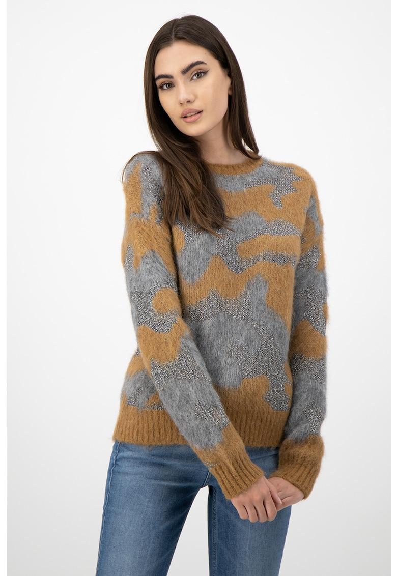 Pulover din amestec de lana alpaca - cu imprimeu camuflaj
