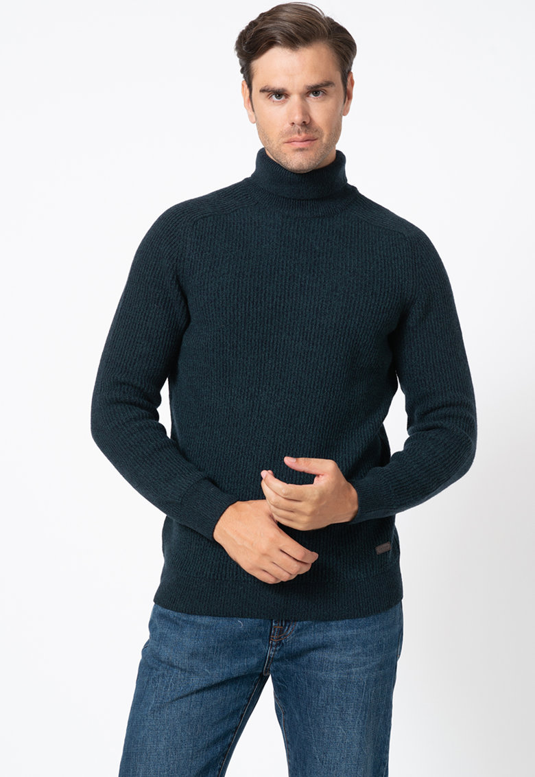 Pulover din amestec de lana - cu guler inalt
