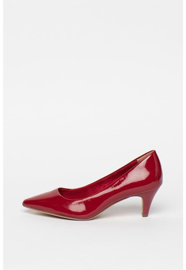 Pantofi de piele sintetica lacuita - cu varf ascutit