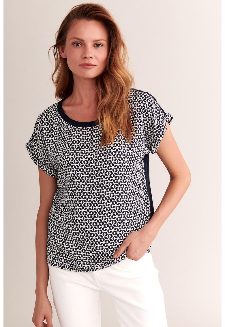 Bluza cu maneci drop cu imprimeu pe partea din fata Antuza imagine fashiondays.ro