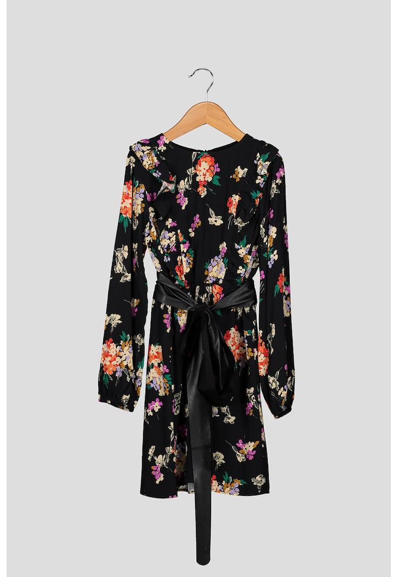 Rochie cu imprimeu floral si o curea