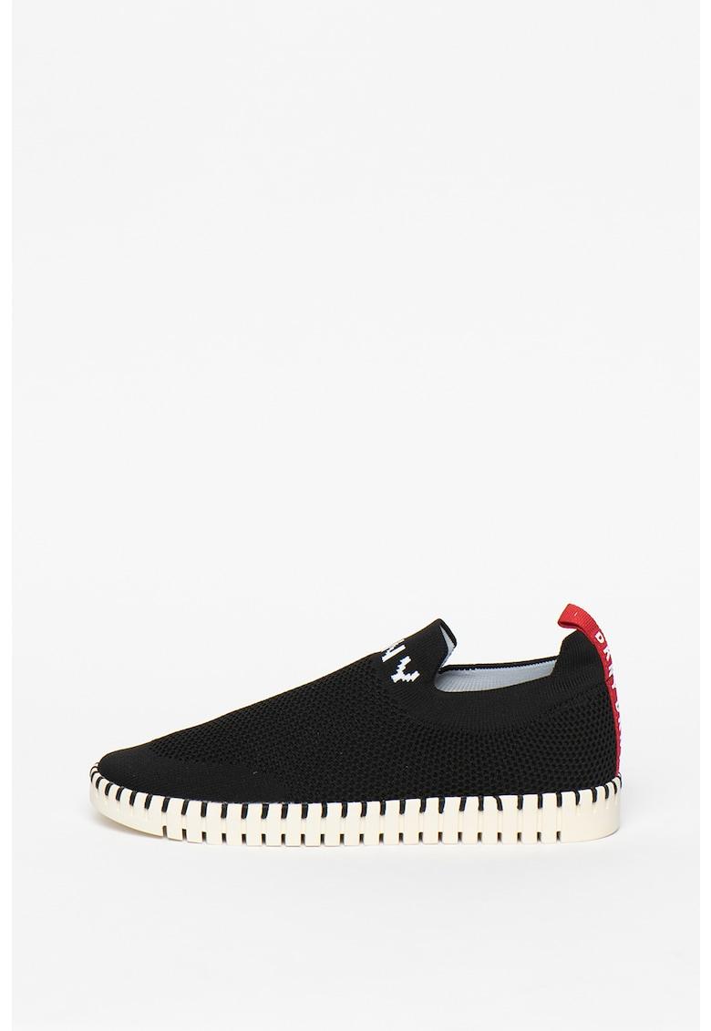 Pantofi sport slip-on cu logo brodat
