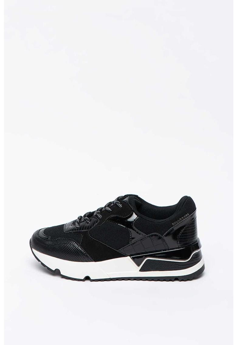 Pantofi sport wedge de piele ecologica - cu detalii lacuite