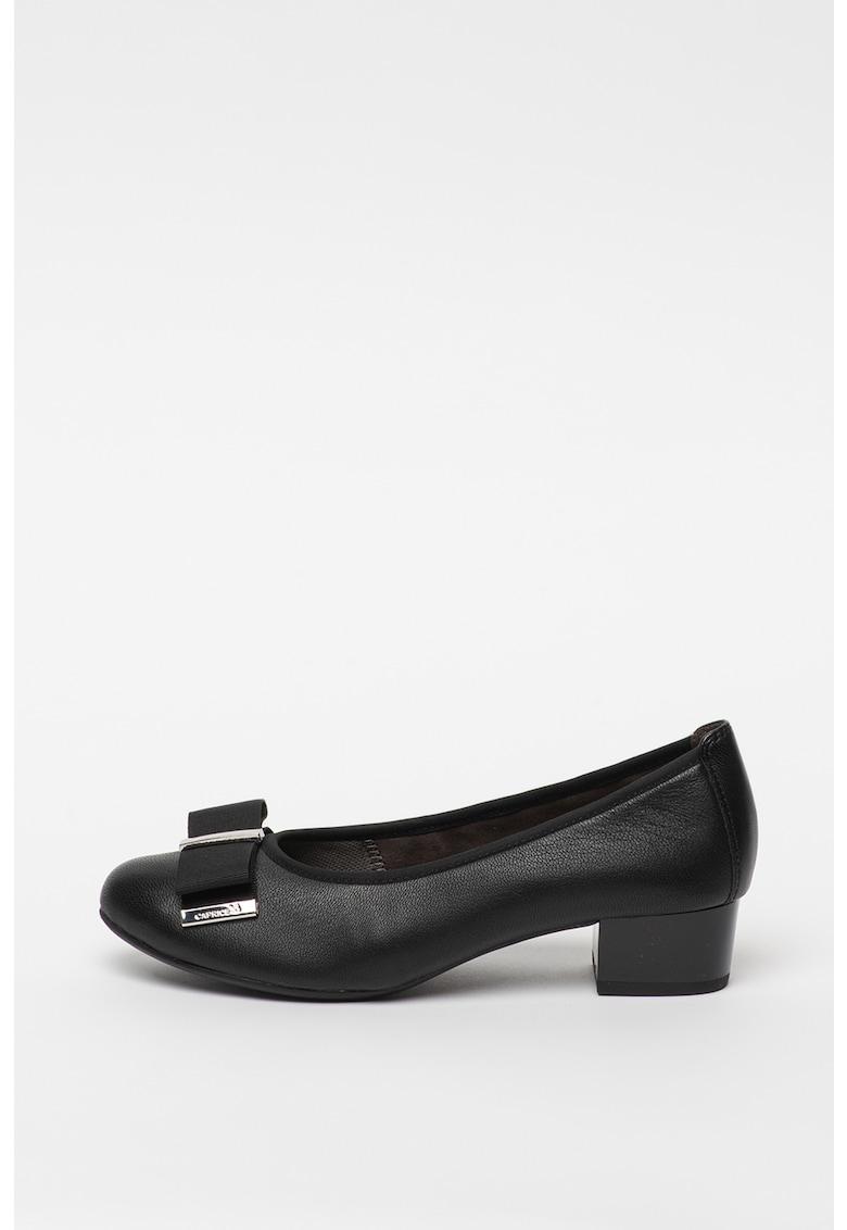 Pantofi de piele cu varf ascutit si toc masiv de la Caprice