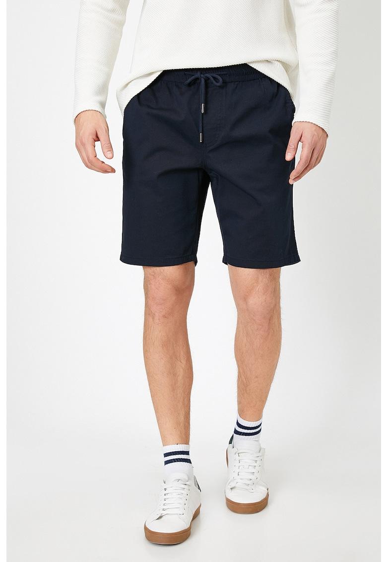 Pantaloni scurti cu snur