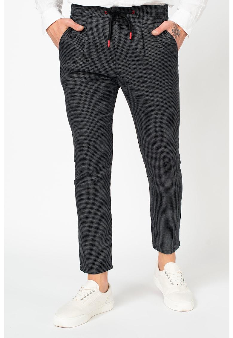 Pantaloni conici cu snur contrastant