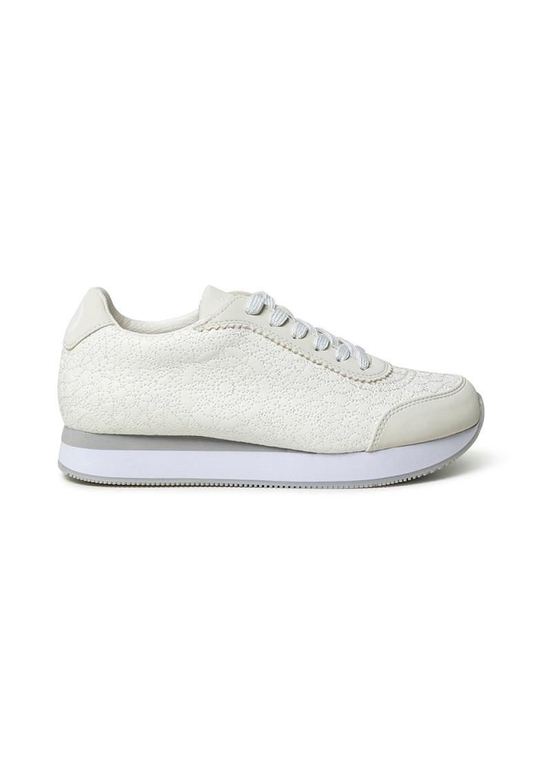 Pantofi sport de piele ecologica cu design brodat