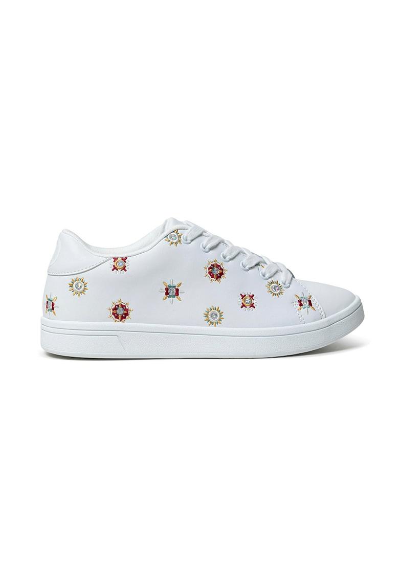 Pantofi sport de piele cu mandale brodate