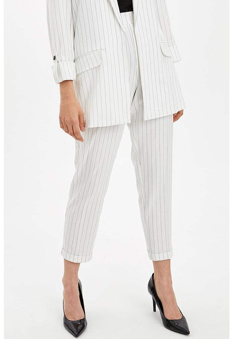 Pantaloni crop cu model in dungi DeFacto imagine 2021