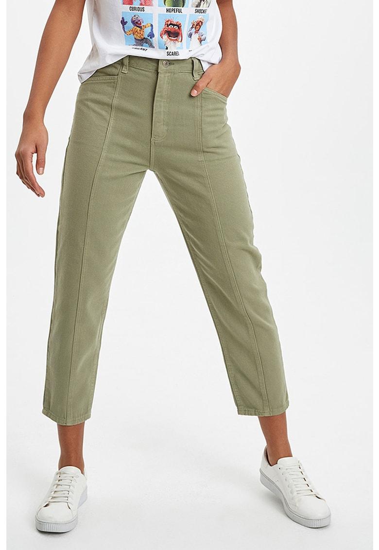 Pantaloni crop conici a