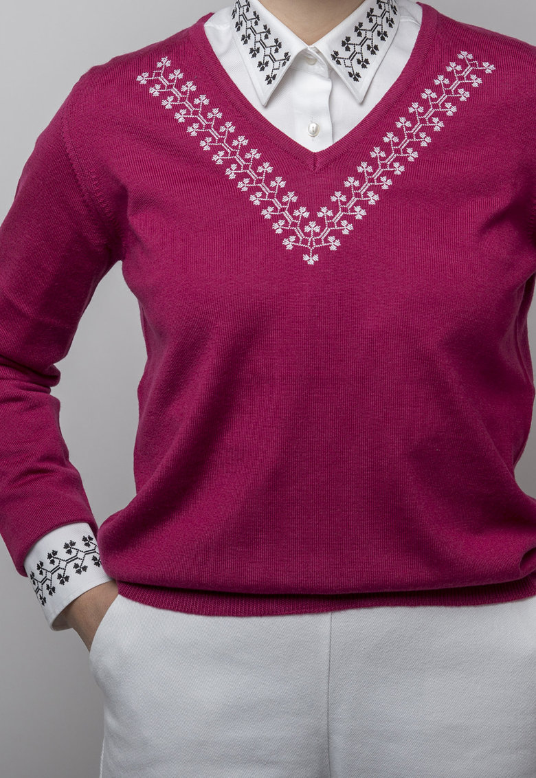 Pulover de lana tricotat fin cu motive etnice Trifoi