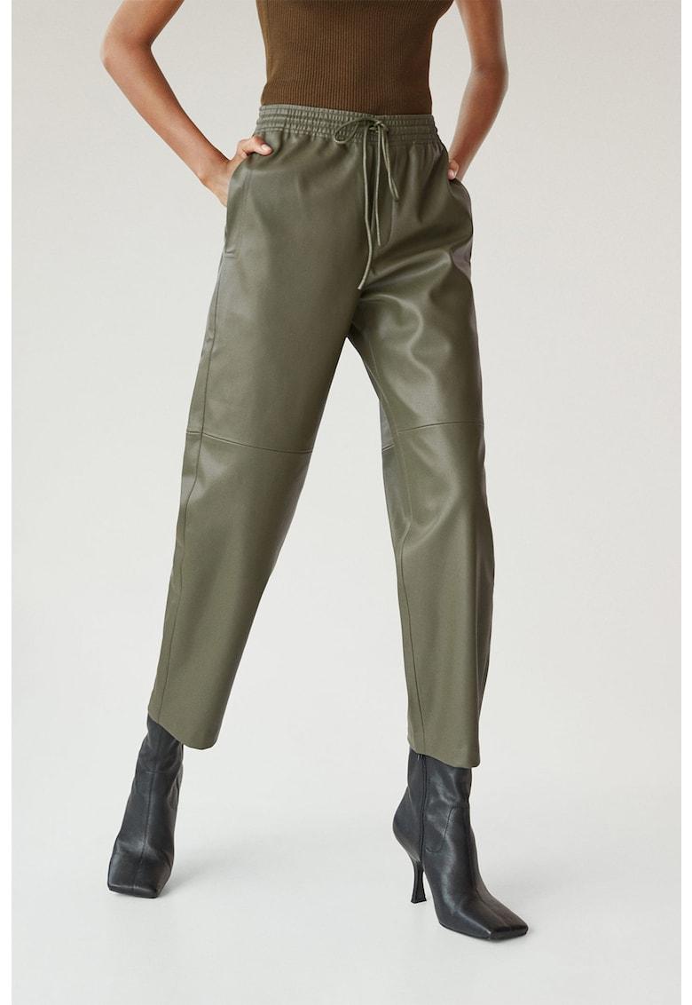 Pantaloni jogger crop din piele ecologica Apple imagine fashiondays.ro