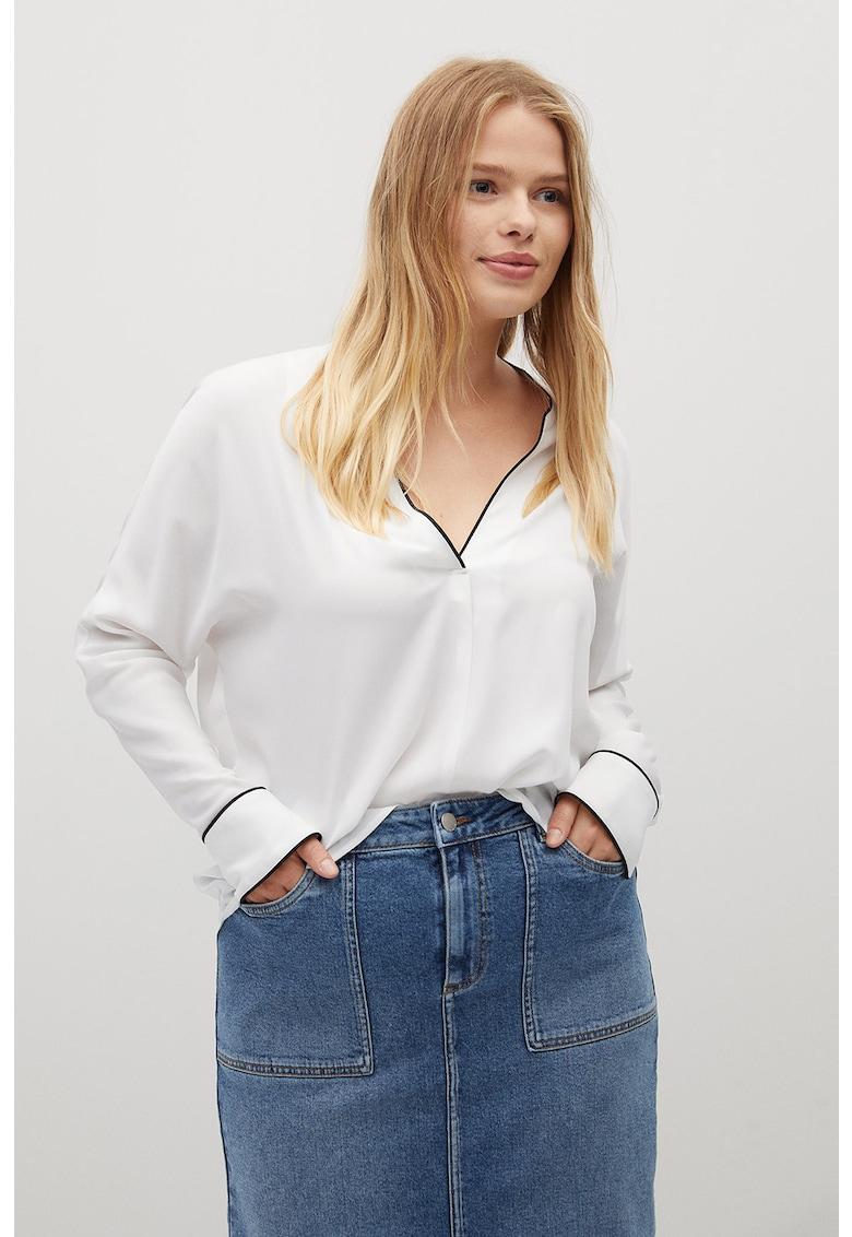 Bluza cu decolteu in V si detalii contrastante Piping imagine fashiondays.ro