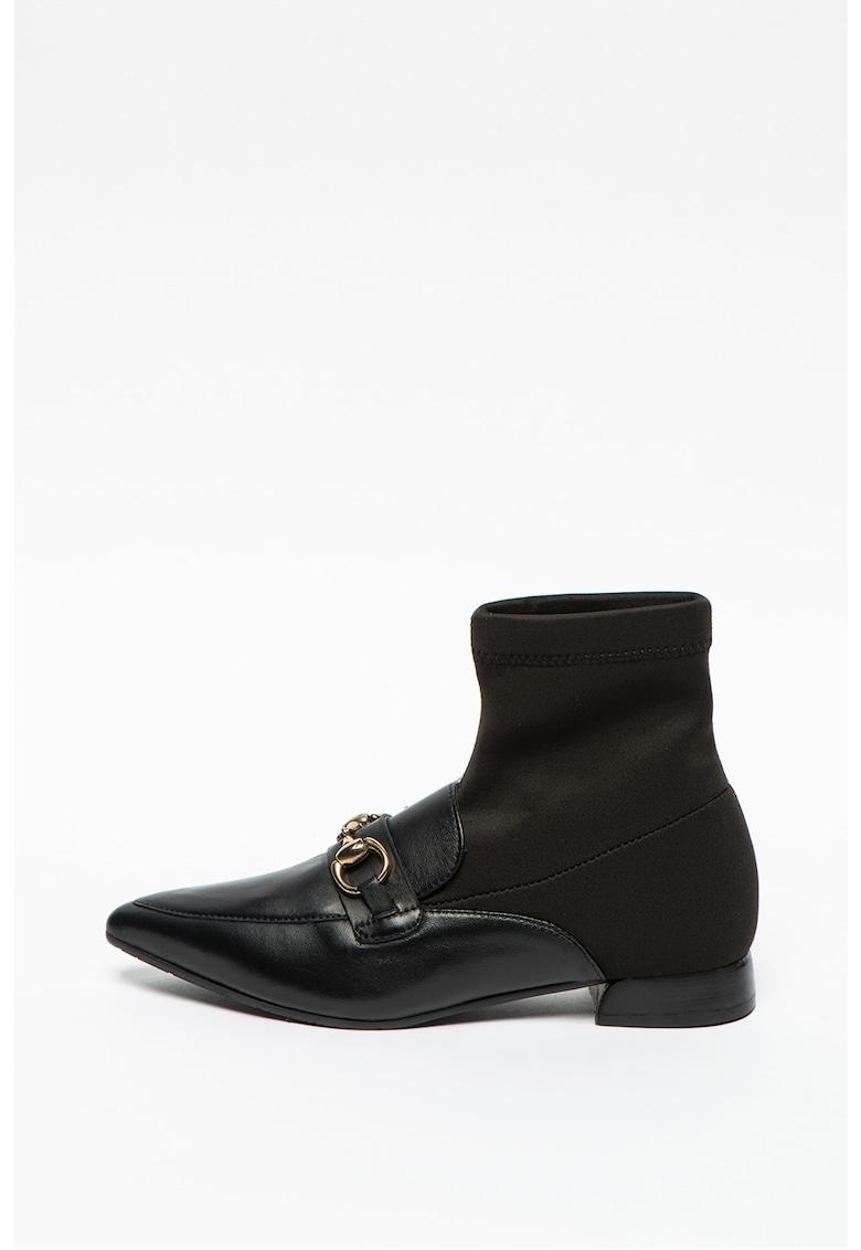 Pantofi loafer cu varf ascutit si model soseta