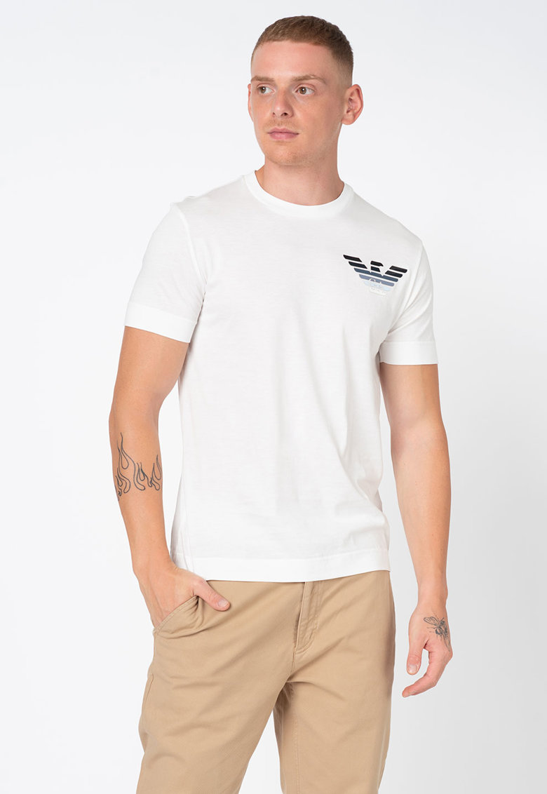 Tricou cu decolteu la baza gatului si aplicatie logo Bărbați imagine