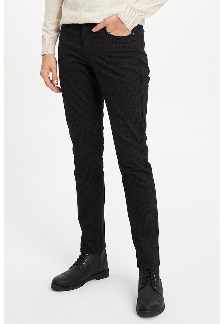 Pantaloni slim fit cu dungi discrete si 5 buzunare imagine fashiondays.ro
