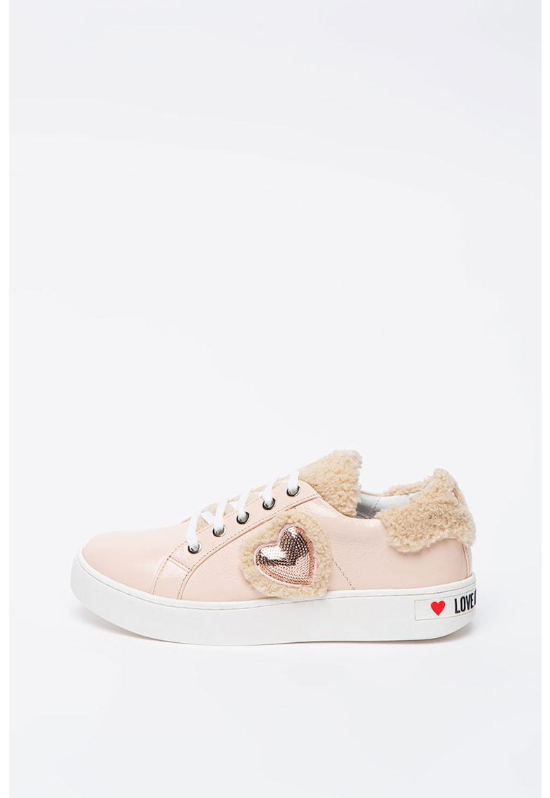 Pantofi sport de piele lacuita - cu garnituri de blana shearling sintetica