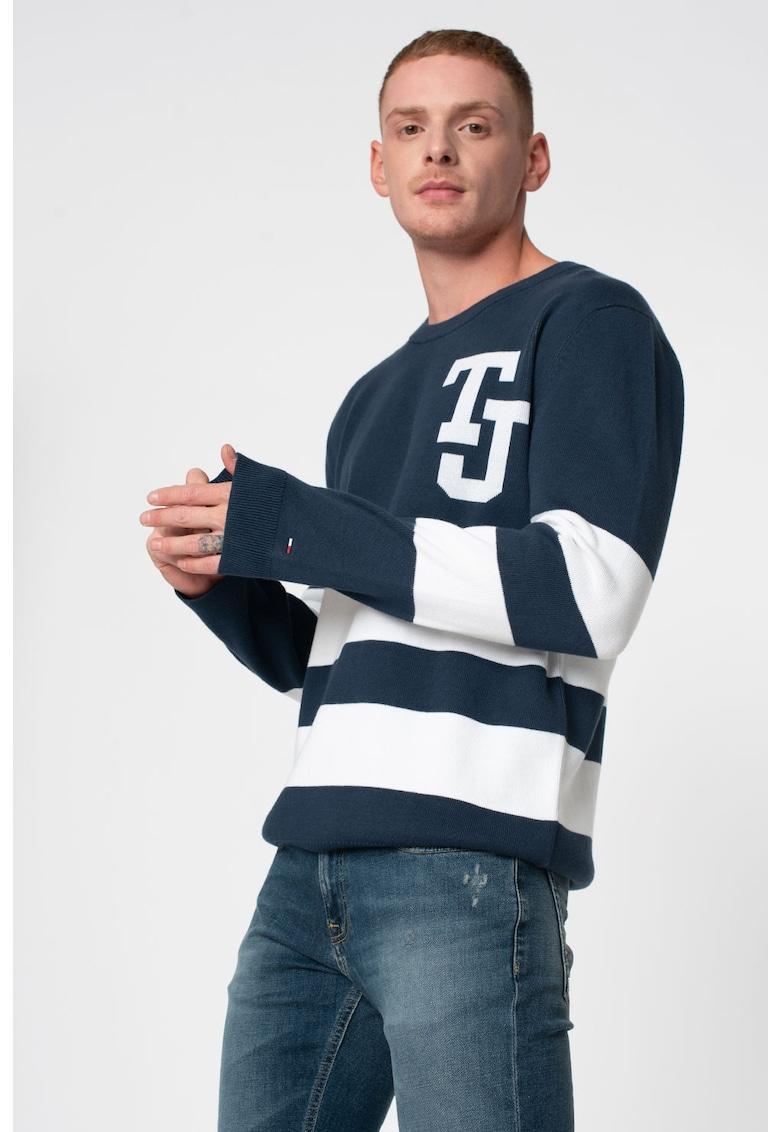 Pulover tricotat fin cu model in dungi