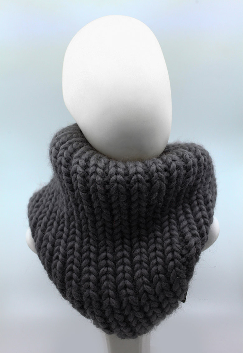 Fular circular de lana merino - tricotat gros Live Simply de la Made in Rosia Montana
