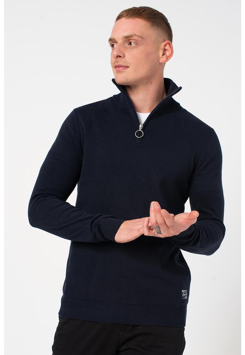 Pulover tricotat fin cu guler inalt imagine fashiondays.ro