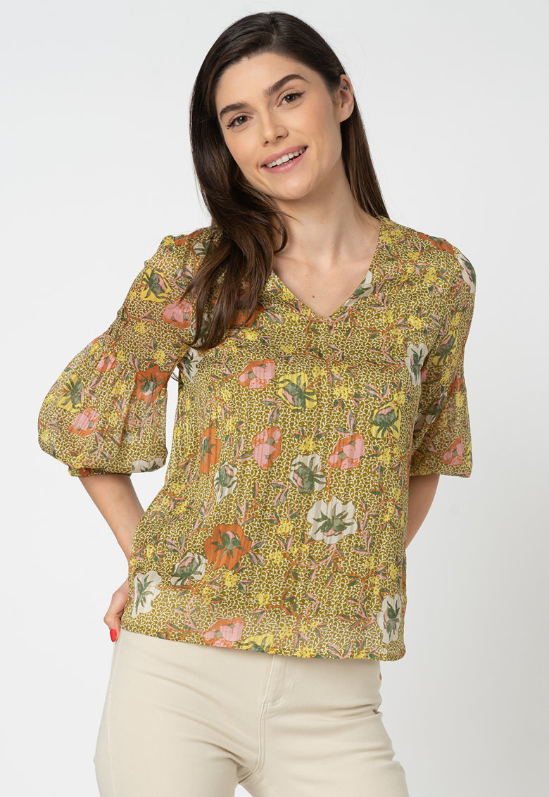 Bluza cu decolteu in V si model floral Cille imagine fashiondays.ro 2021