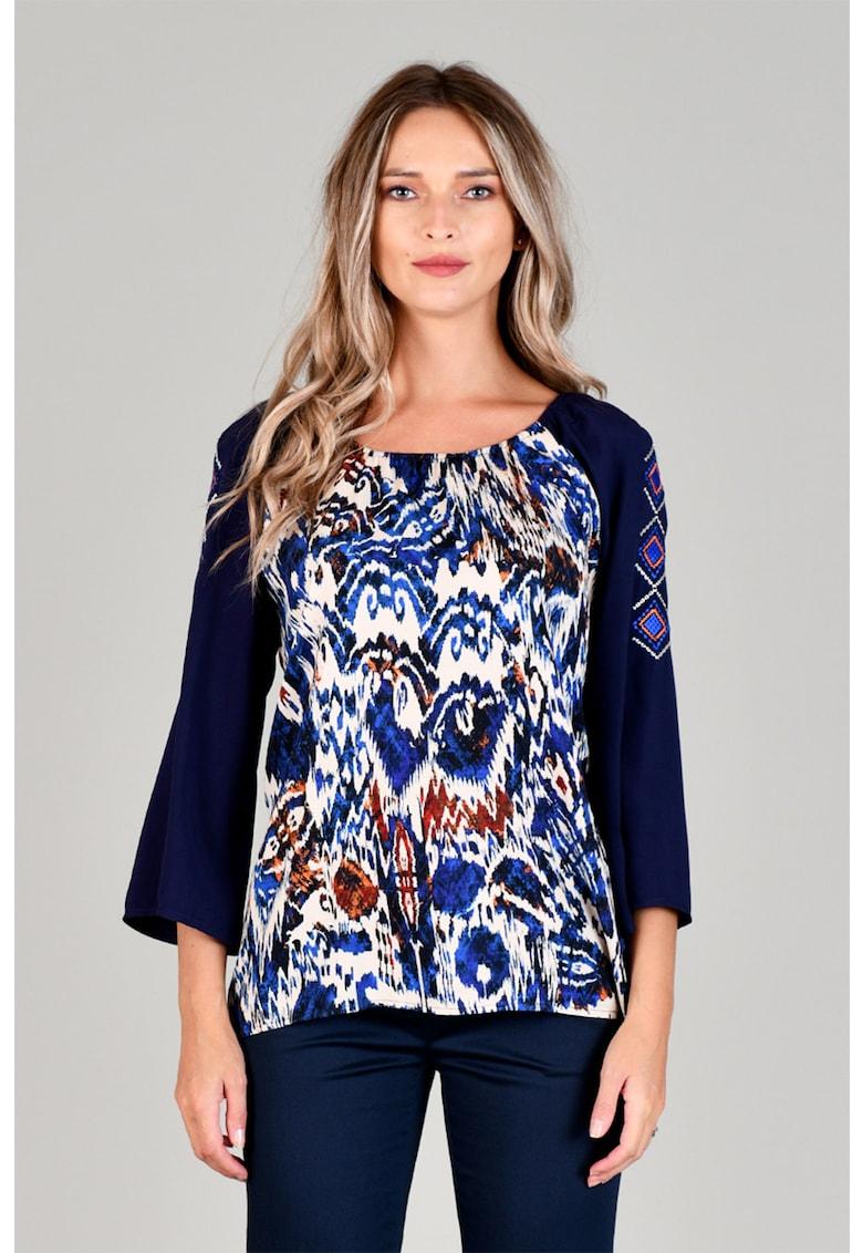 Bluza cu imprimeu sarpe si maneci brodate Format Lady fashiondays.ro