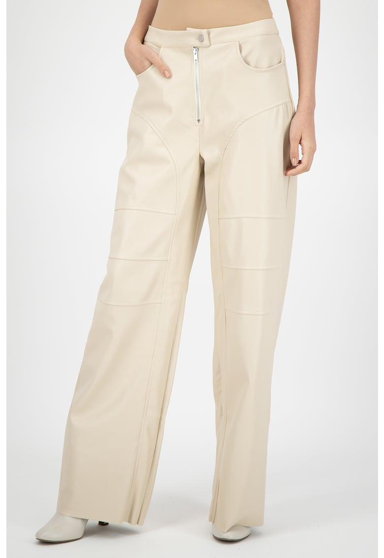 Pantaloni de piele ecologica - cu croiala ampla imagine fashiondays.ro