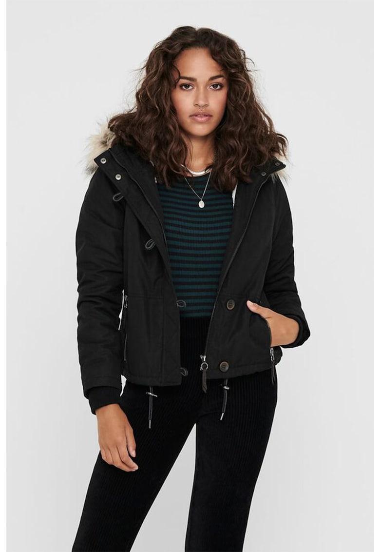 Jacheta scurta cu garnitura de blana sintetica imagine promotie