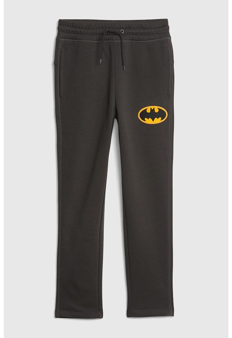 Pantaloni sport cu snur si detaliu cu supererou GAP fashiondays.ro