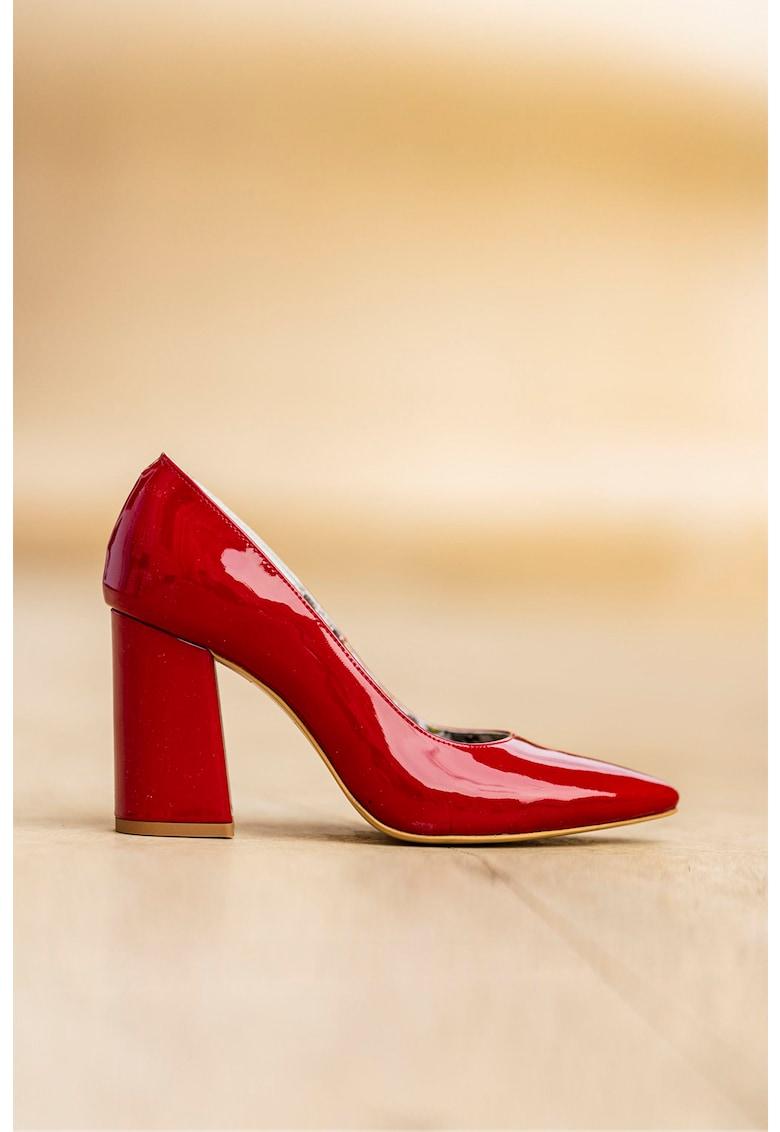 Pantofi de piele lacuita cu toc masiv fashiondays.ro