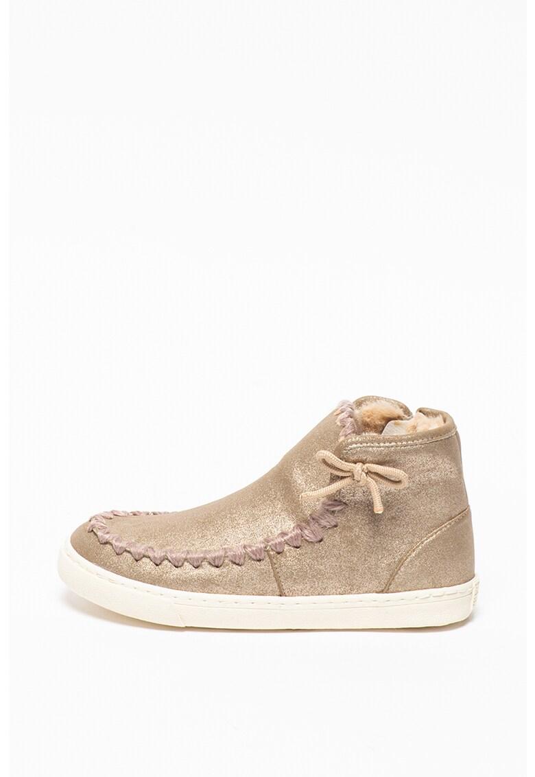 Pantofi sport mid-high de piele ecologica - cu aspect stralucitor imagine fashiondays.ro