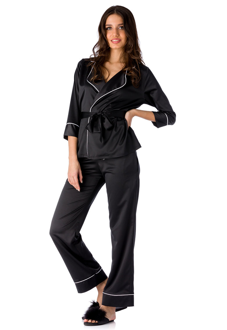 Pijama din satin Iris imagine fashiondays.ro
