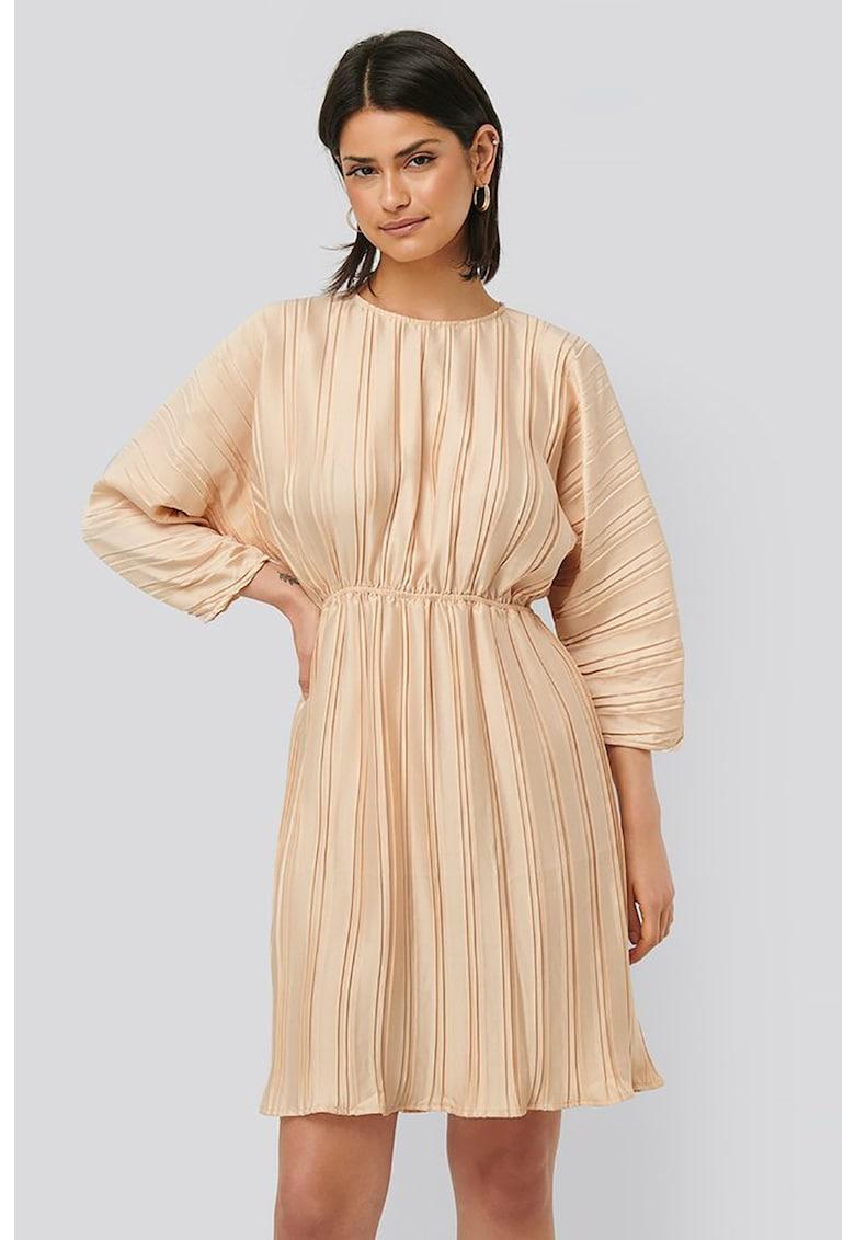 Rochie plisata cu decupaj pe partea din spate imagine