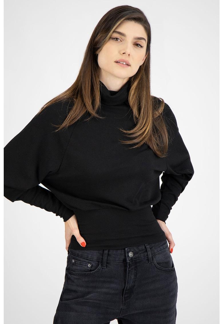 Bluza din jerseu cu guler inalt si maneci dolman imagine fashiondays.ro