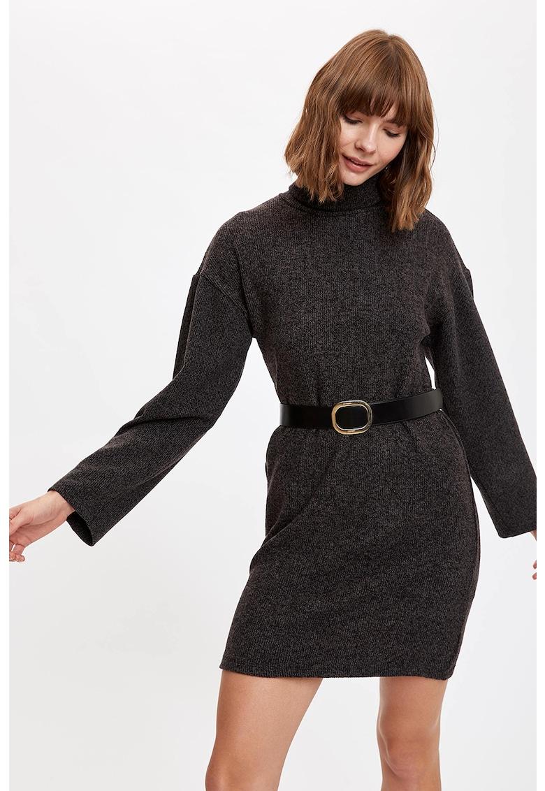 Rochie tip pulover cu guler inalt