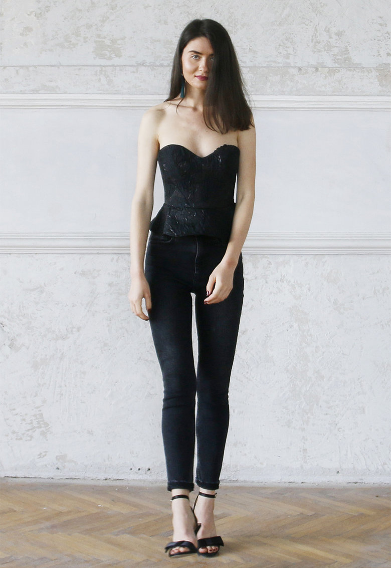 Top tip corset cu terminatie cu volane Anabelle imagine fashiondays.ro