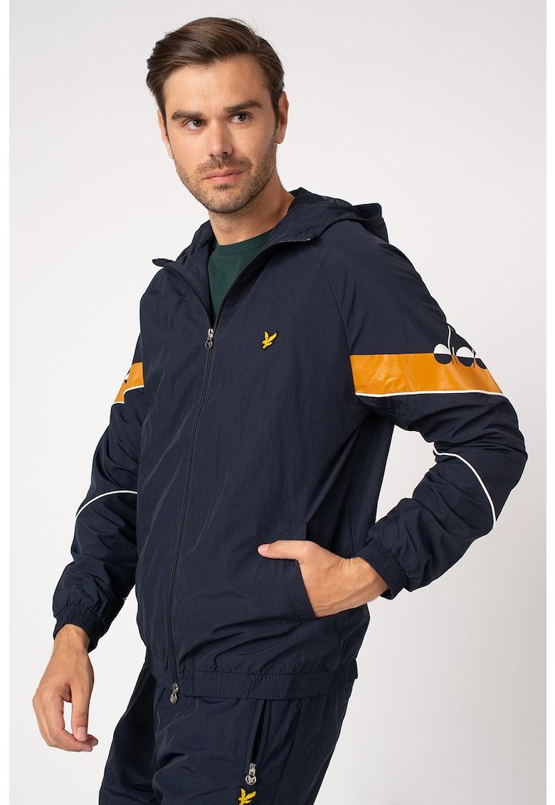 Jacheta de trening cu gluga si imprimeu logo