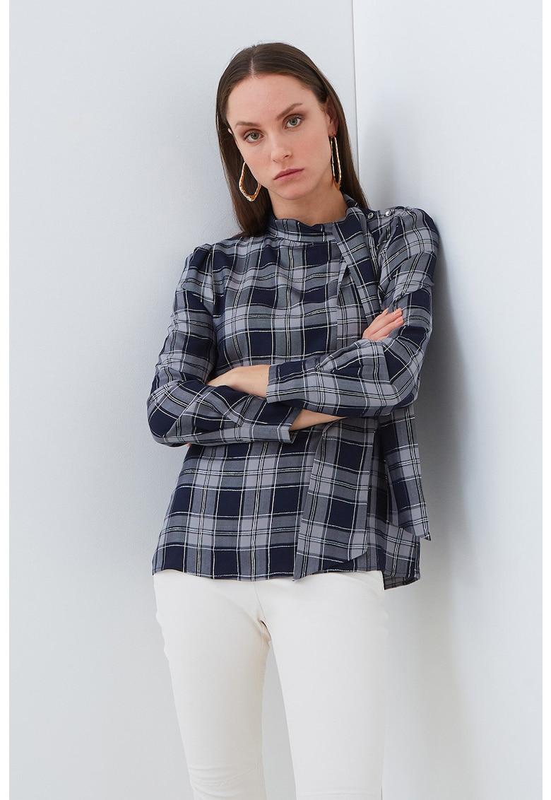 Bluza in carouri imagine